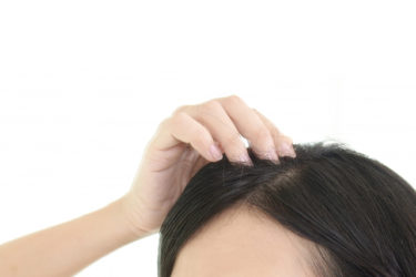 最近白髪が増えてきたんだけど、そろそろ白髪染めするべきですか?